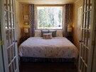 King size bed Gardn suite