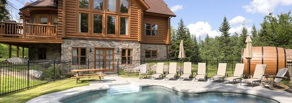 Cottages with an outdoor pool
