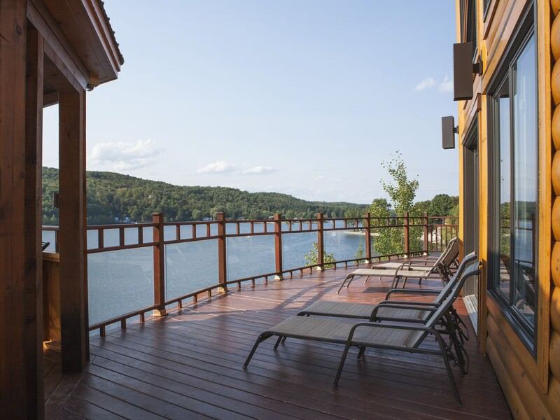 Exterior balcony with view on the lake